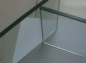 超薄透明钢化玻璃